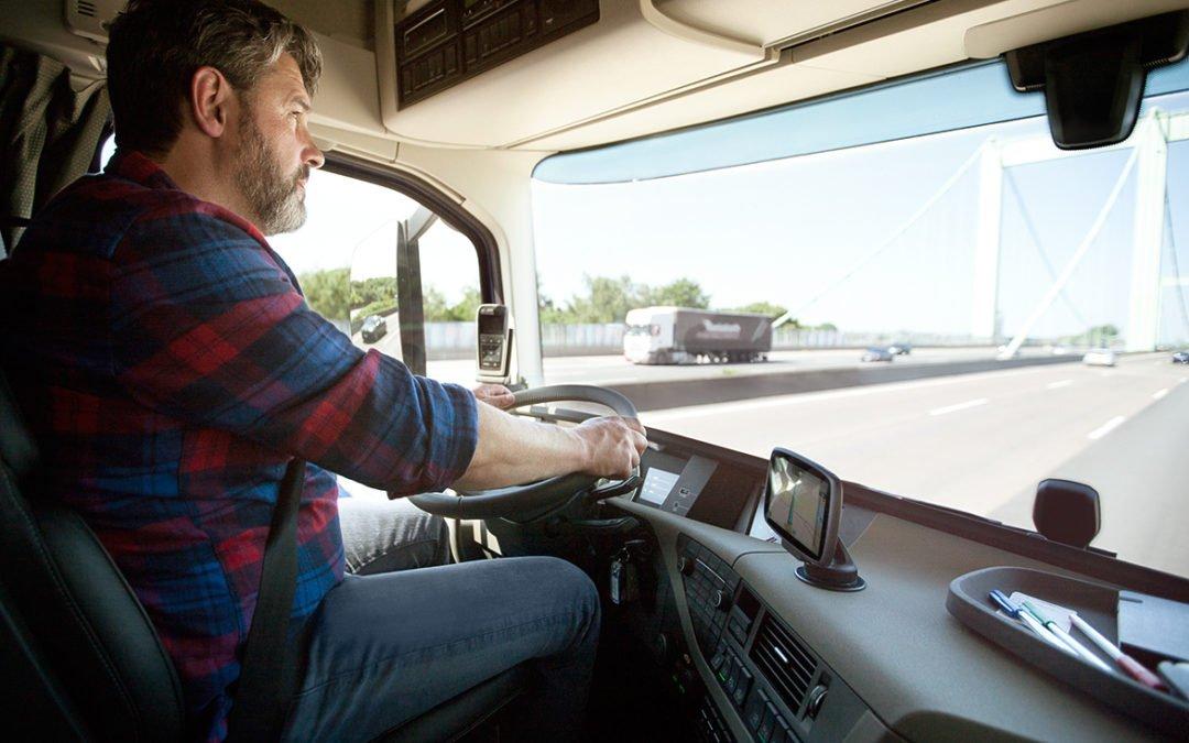 Cómo reducir gastos en el transporte de empresa